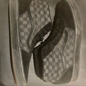 Vans Mens High-Top Checkered Skate Shoe
